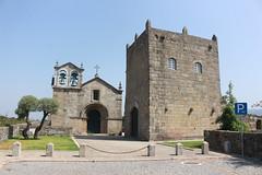 Igreja e Torre do Antigo Mosteiro de São Martinho em Manhente, Barcelos