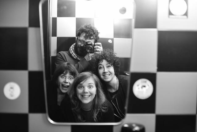 [il Maniaco dei Bagni]  al Bar Bah! con Aidoru Gioia e Sabrina