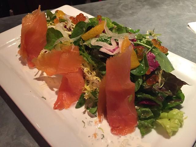 Gravlax de saumon maison en salade - Maximilien