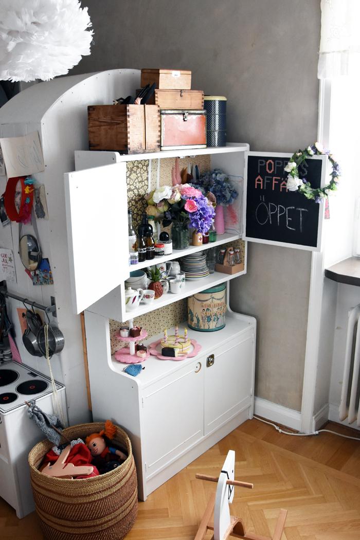 Astrid's room