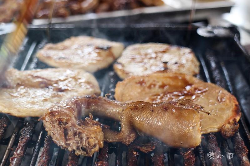 【新北市三重美食小吃】在地人才知道的張媽媽炭烤甜不辣、雞脖子,每天只開4.5小時<近捷運三重國小站>