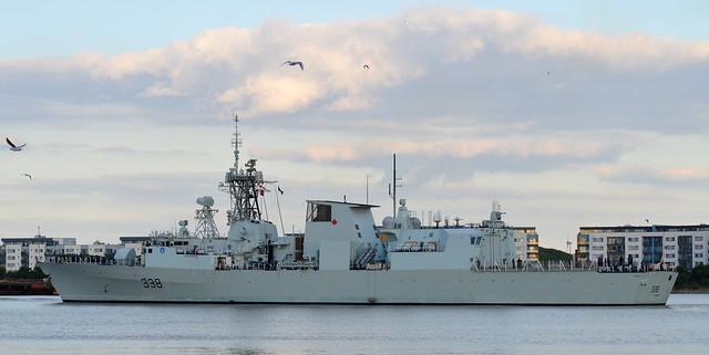 HMCS Winnipeg (3) @ Gallions Reach 19-09-15