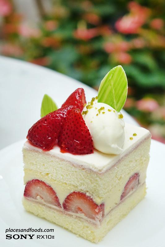 MGM Macau Grande Praça Cafe strawberry vanilla chiffon cake