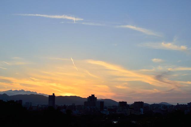 暮れ at dusk