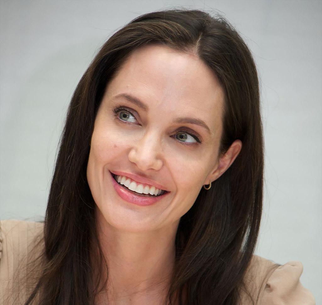Анджелина Джоли — Пресс-конференция «Лазурный берег» 2015 – 7