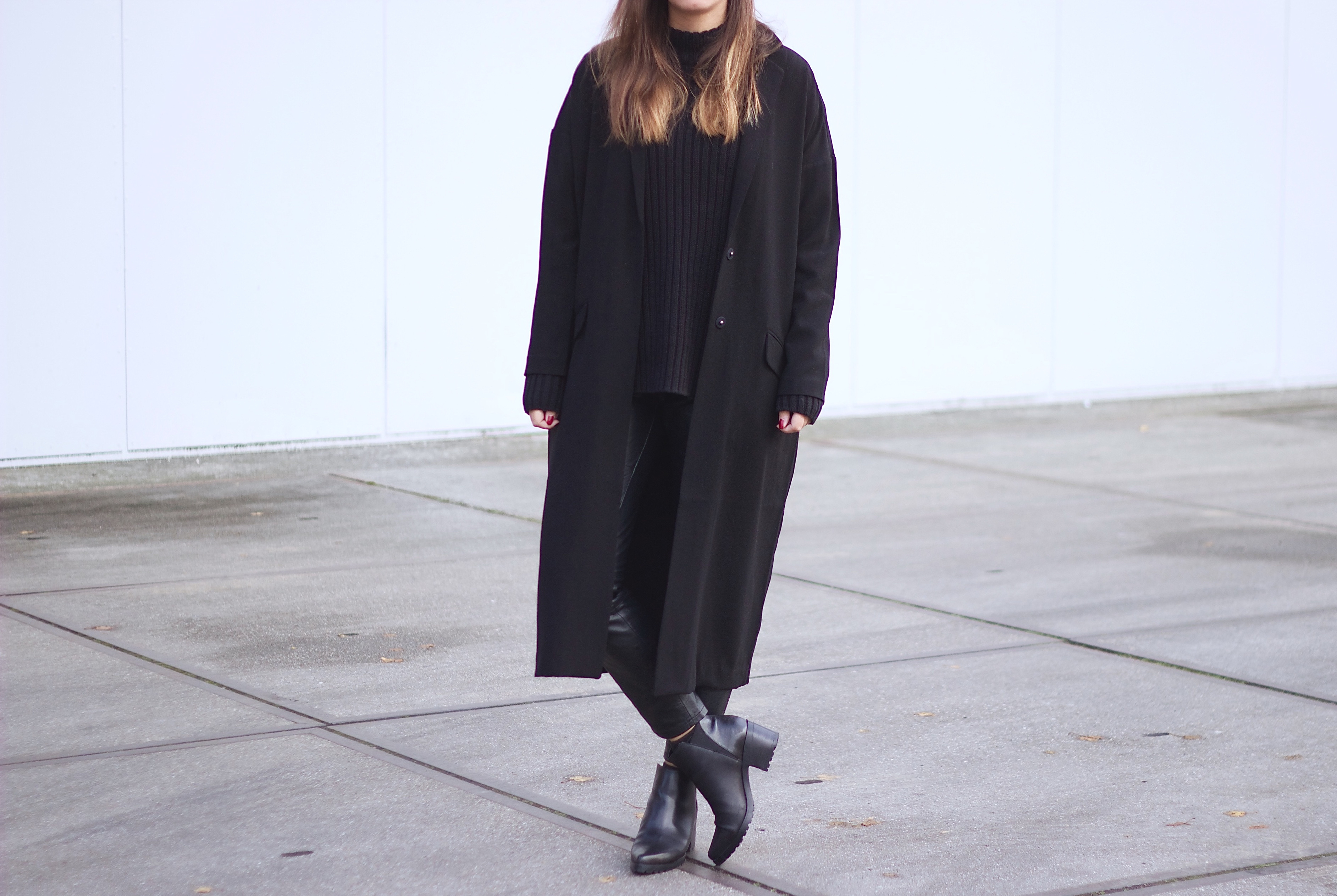 Outfit-all-black-pointy-ankle-boots
