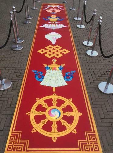 8-auspicious-symbols-by-carmen-mensink