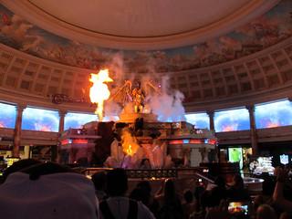 Bilde av Fall of Atlantis Show. show las vegas autumn usa mall shopping hotel forum nevada palace atlantis shops animatronic caesars 2015