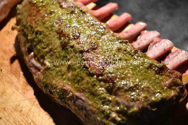 Rack d'Agneau Croustillant au Pesto © Ana Luthi Tous droits réservés4