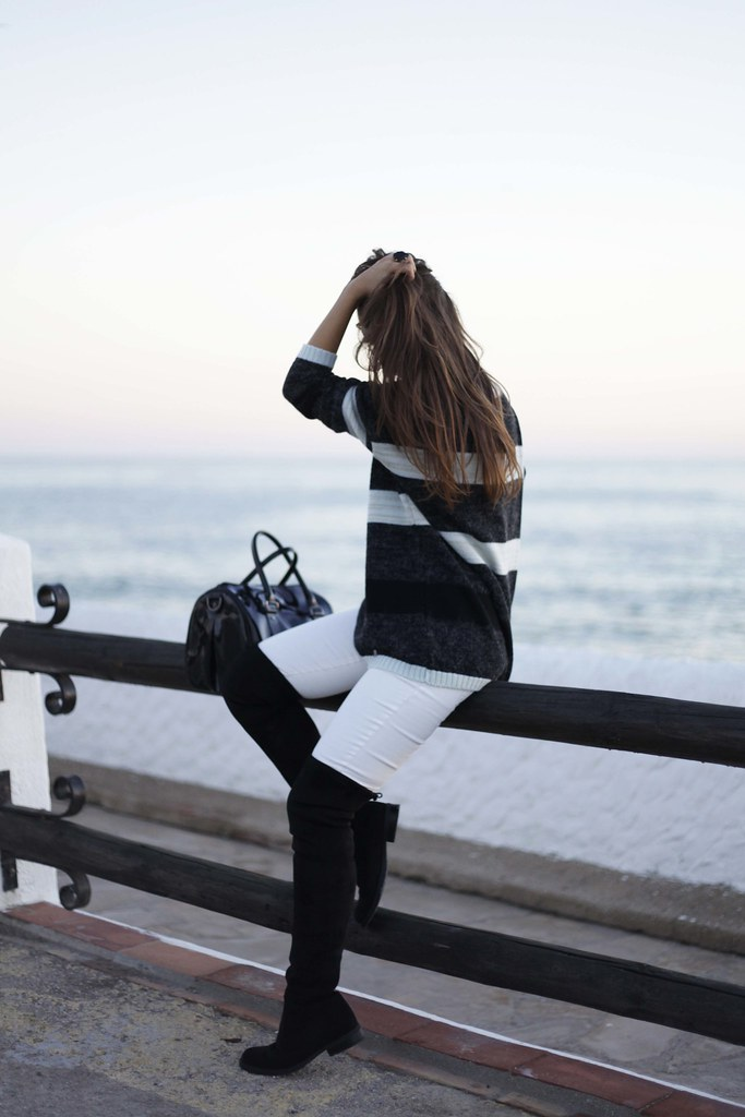 012_Black_and_White_perfect_casual_outfit_theguestgirl