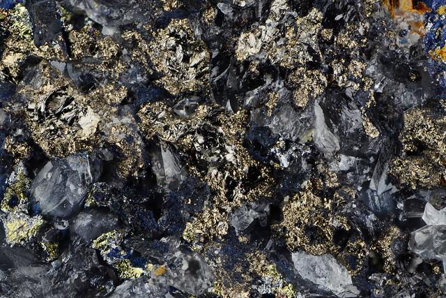 褐錫鉱 Stannoidite