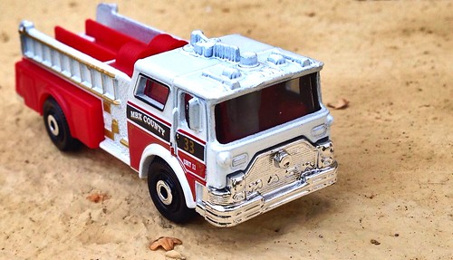 Matchbox 2015 - Mack CF Pumper 1976
