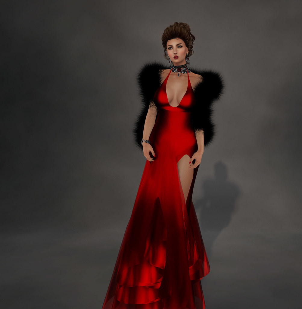 Flo gown ,red, includes fur stola, Sascha's Designs