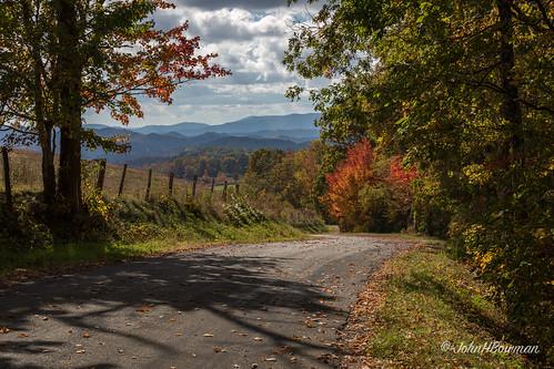 virginia graysoncounty virginiamountains mountainviews countryroads fencesgates fallcolor backlit cloudyskies october2016 may 2016 canon24704l