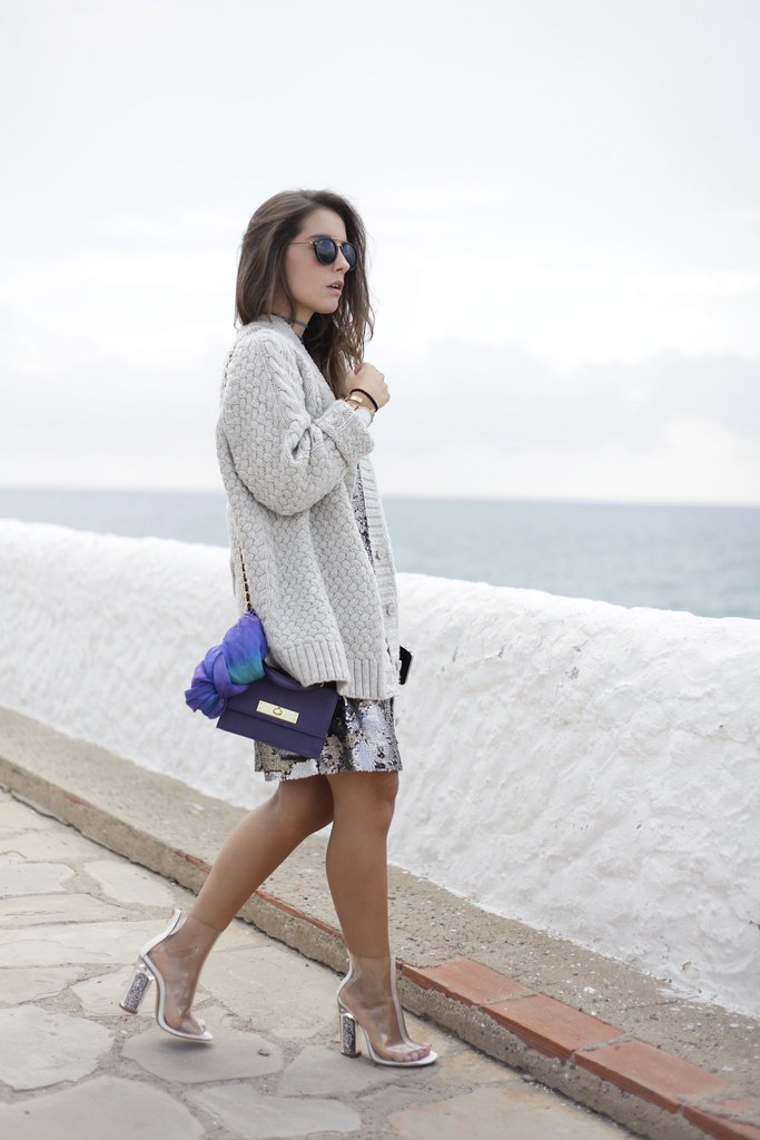 014_casual_outfit_sequins_and_cardigan_Mysundaymornig_theguestgirl_blogger_barcelona_influencer