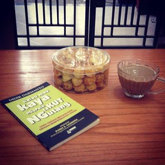 #morning #coffee #chilly #cookies #book #instagood #inspiration #reading #breakfast #brown #inspirasi #pagi #baca #buku #uang