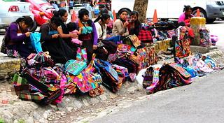Weaving vendors in Palenque