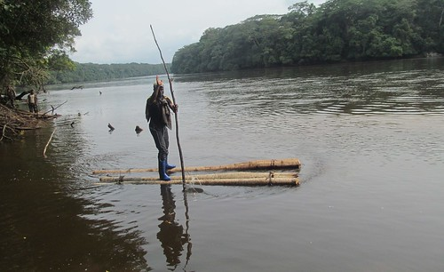 Omo demonstrates crossing on makeshift raft copy