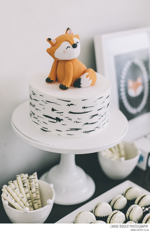 A Must See Fox Party With Great Party Decor Lovilee Blog