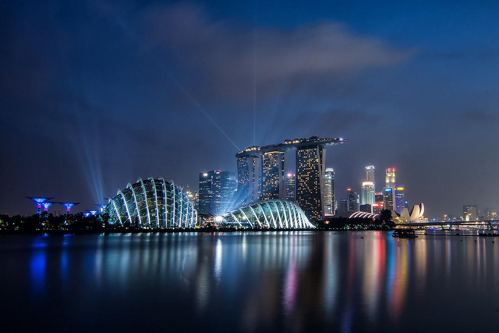 Фейверк после гонок Формулы 1 в Сингапуре
