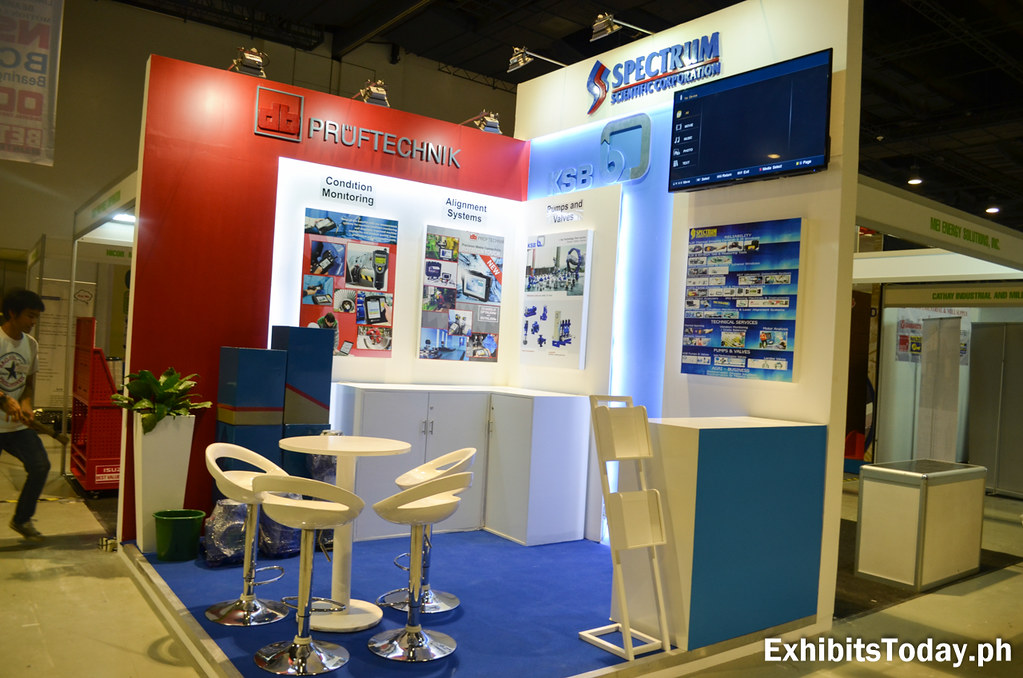 Spectrum Scientific Corporation Exhibit Booth