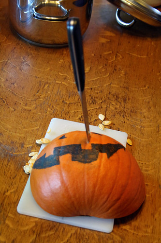Halloween is over, the pumpkin must become soup!