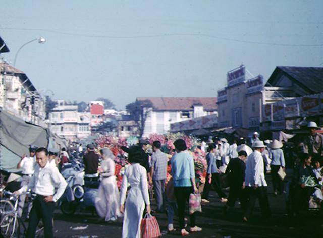 SAIGON 1967 - Đường Phan Châu Trinh, cửa tây Chợ Bến Thành