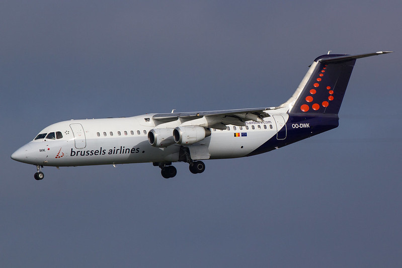 Brussels Airlines - RJ1H - OO-DWK (1)