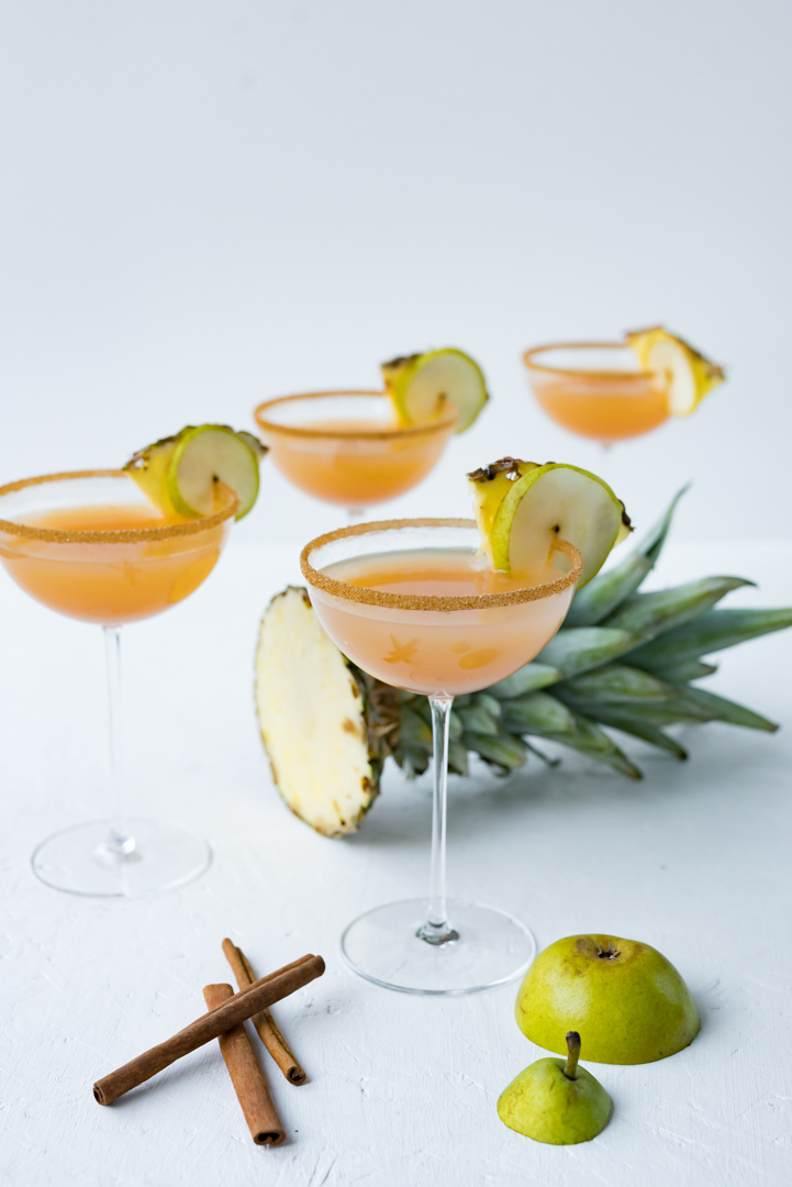 Pear Pineapple Spiced Rum Cider www.pineappleandcoconut.com