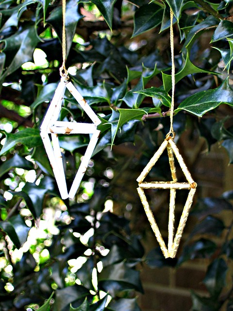 Himmeli Ornaments on Holly Tree