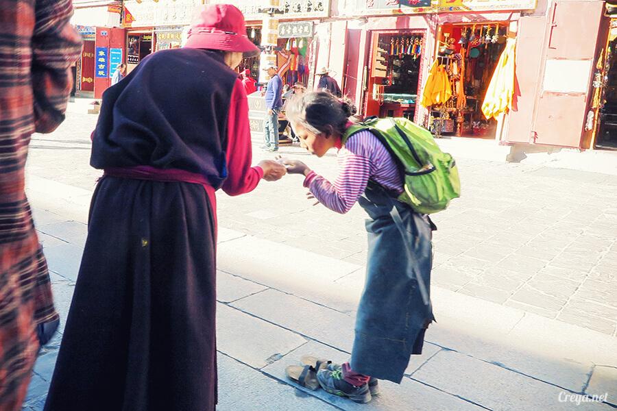 2015.12.09 ▐ Tibet 西藏踢北去 ▐ 尋找藏人真正的拉薩中心,被信仰力量震撼的大昭寺與舊城區 27.jpg