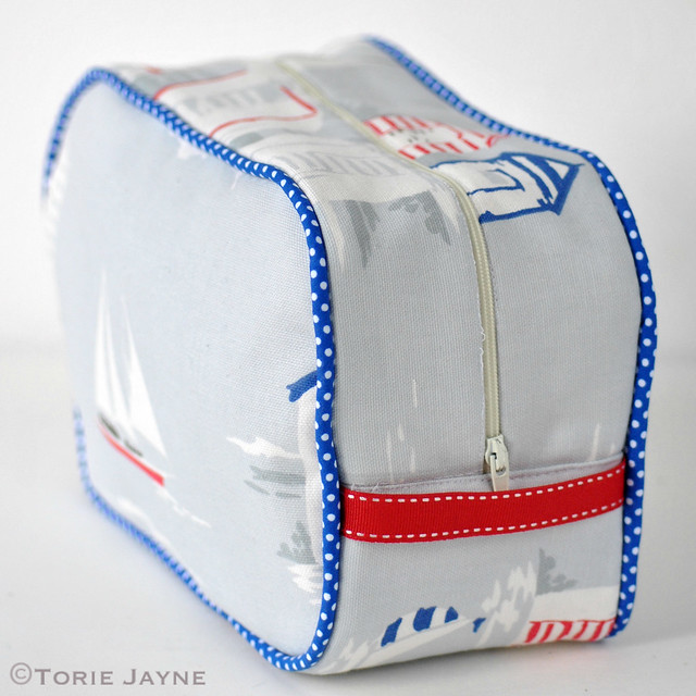 Beach huts washbag