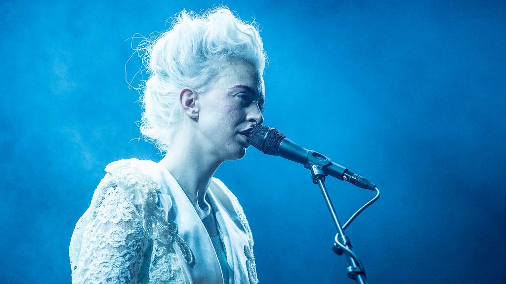 Thea Hjelmeland - Øyafestivalen 2015