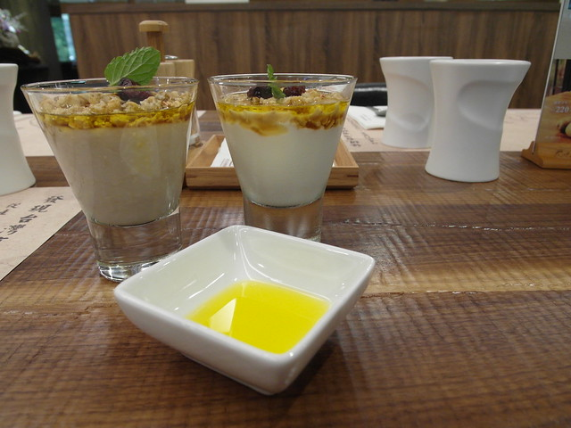 棉花甜鮮奶優格、燕麥果泥@棉花田有機餐廳
