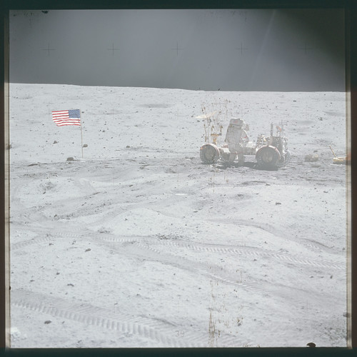 AS16-116-18576