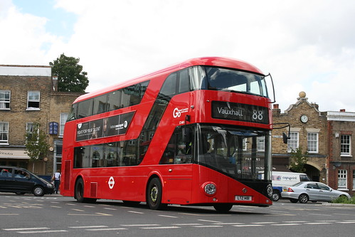London General LT481 on Route 88, Clapham Common