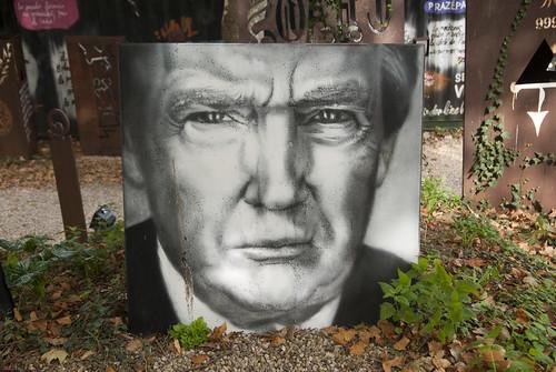 Donald Trump, painted portrait _DDC9085