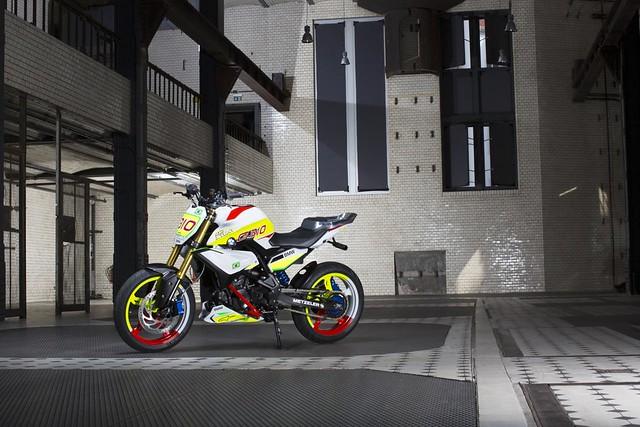 BMW подготовила легкий мотоцикл для стантрайдинга Concept Stunt G 310