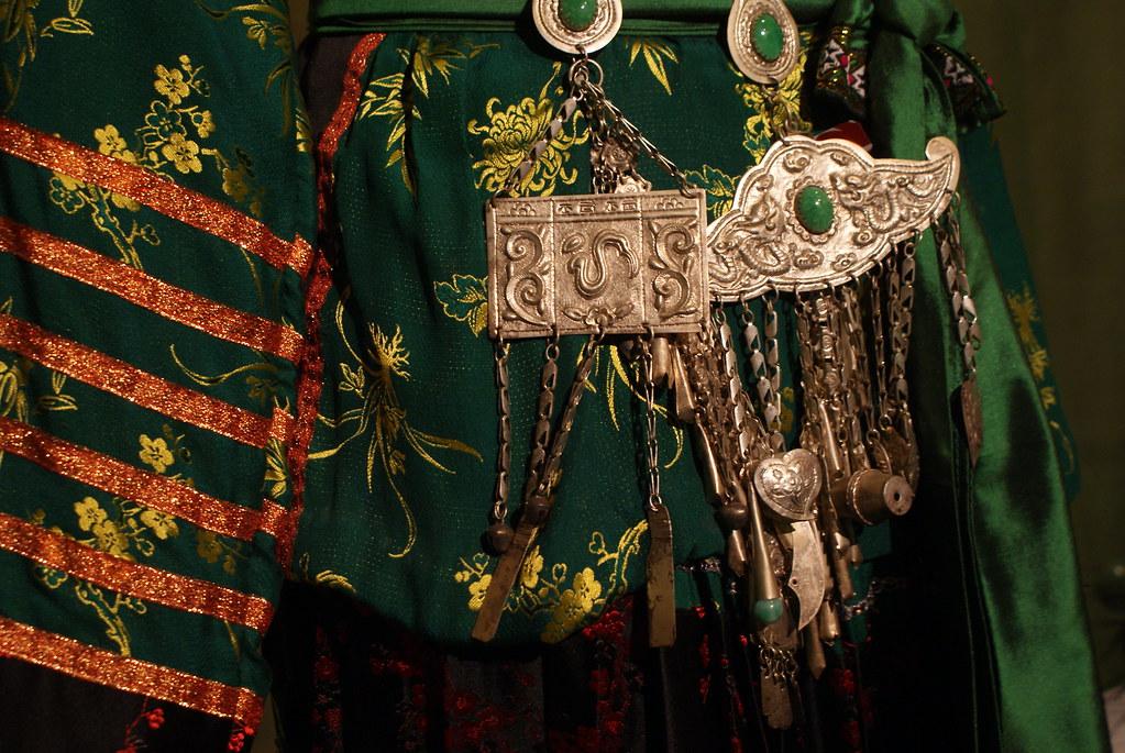Bijoux au musée de la femme vietnamienne à Hanoi.