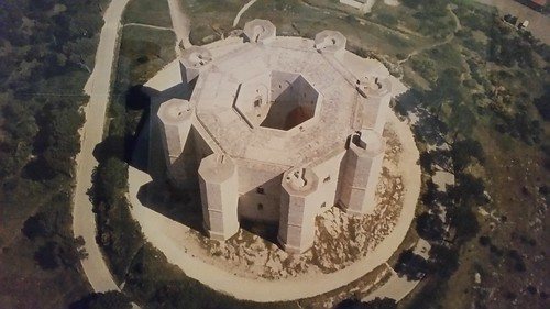 Castel del Monte - Golden ratio