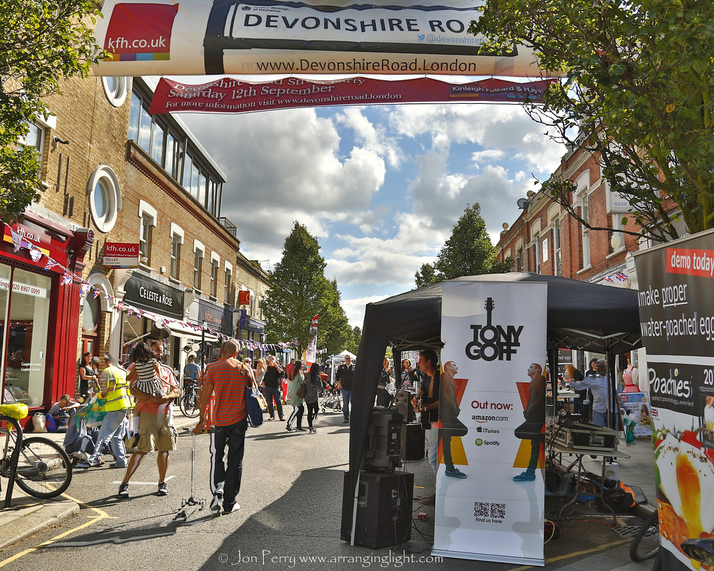 _C0A6703REW Devonshire Road Street Party , Jon Perry - Enlightenshade, 12-9-15 zao