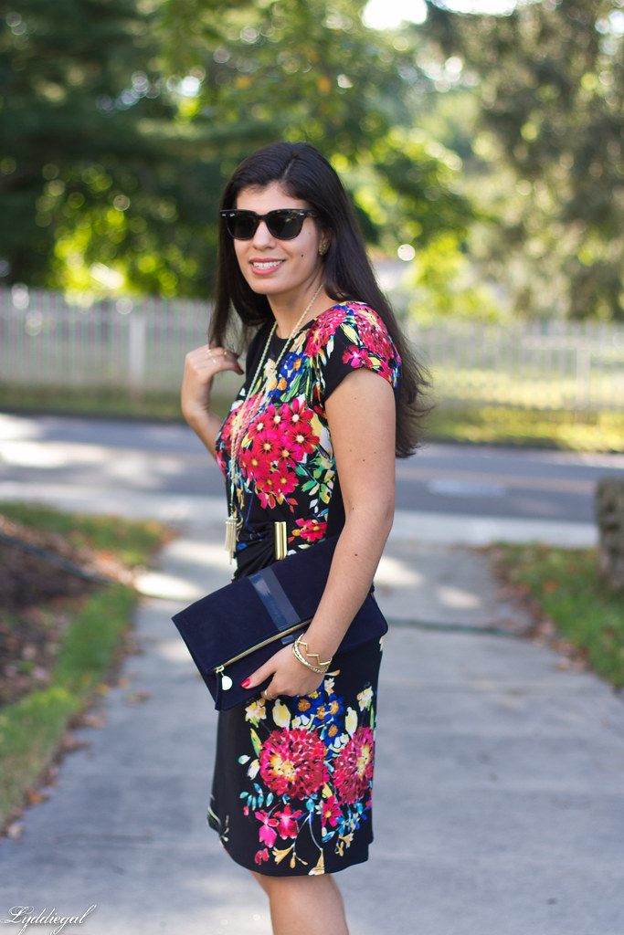 floral print dress, red pumps, clare v clutch-3.jpg