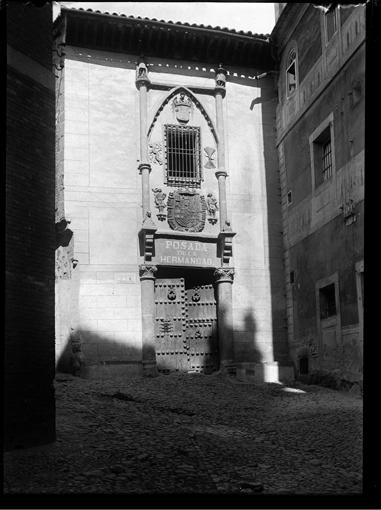 Posada de la Hermandad en Toledo hacia 1920. Fotografía de Enrique Guinea Maquíbar © Archivo Municipal de Vitoria-Gasteiz