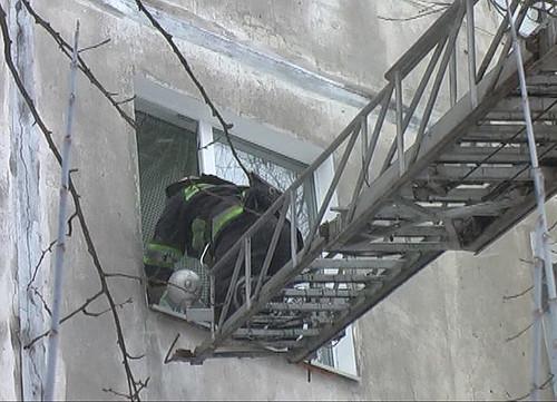 Відчинили квартиру через вікно на 8-му поверсі