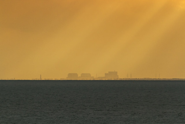 Nuclear view, Canon EOS 7D, Canon EF 200mm f/2.8L II