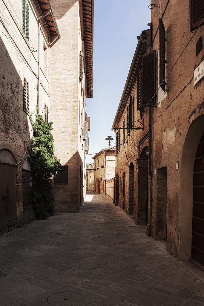 Buonconvento crete senesi italia tripcarta - Porta castellana montalcino ...