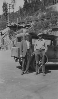 Sullivan Mine General Superintendent Ed Montgomery and Superintendent William Lindsay, Kimberley, British Columbia / Mine Sullivan : surintendant général Ed Montgomery et surintendant William Lindsay, Kimberley (Colombie-Britannique)