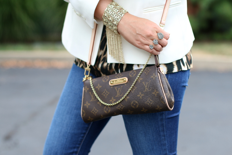 Louis-Vuitton-Eva-Clutch-Kendra-Scott-ring-bracelet-6
