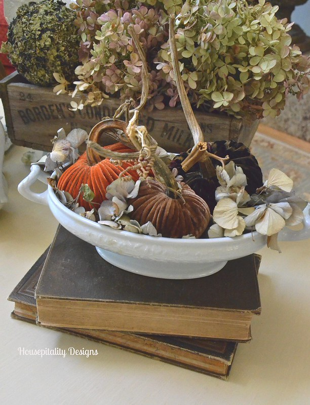 Vintage Fall Vignette - Housepitality Designs