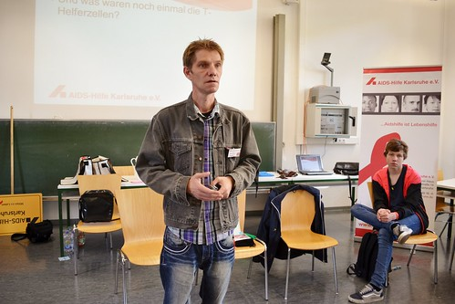 """Karlsruhe: Bürgermeister Klaus Stapf informiert sich über die """"Schülertage"""" - 24.09.2015"""